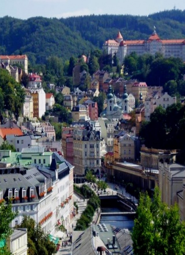 KARLOVY VARY AND MOSER FACTORY